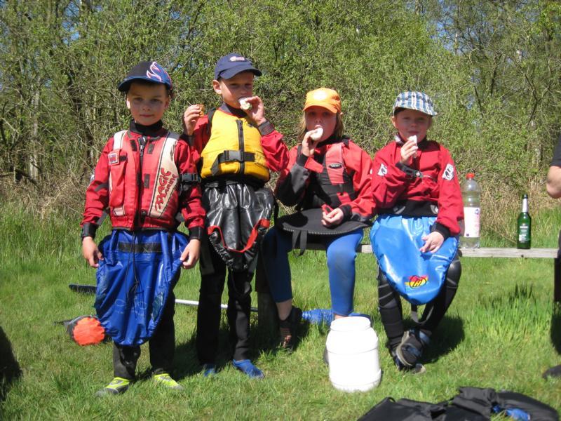 Hier können Kanu Kids die ersten Wildwassererfahrungen machen, begleitet von vielen Profis, die auch mal so angefangen haben.
