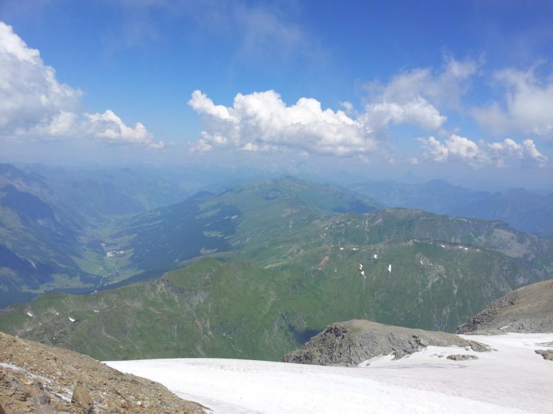 Blick vom Mölltaler Gletscher auf die den Tauernhauptkamm