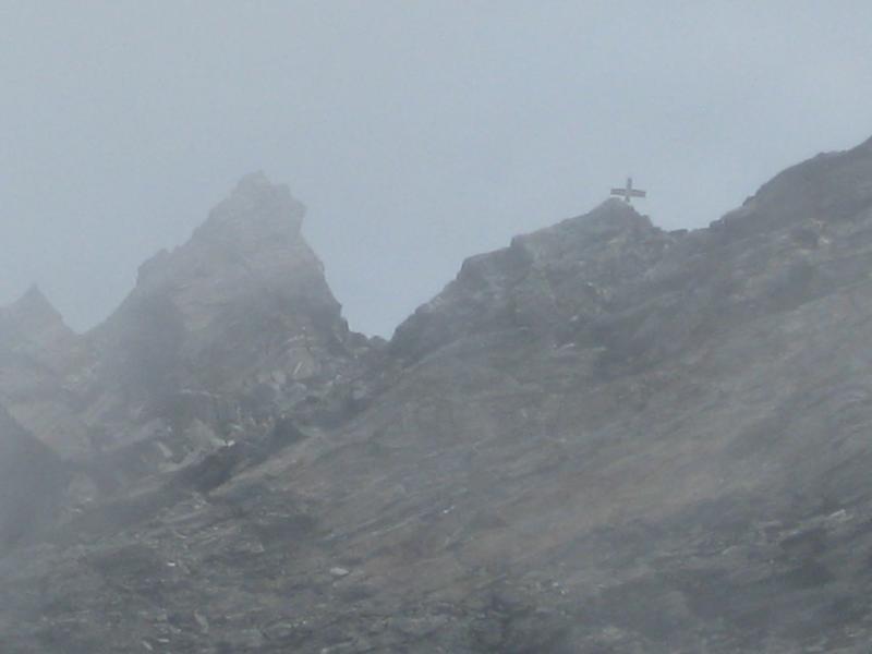 Der Gipfel des Ankogels im Nebel.