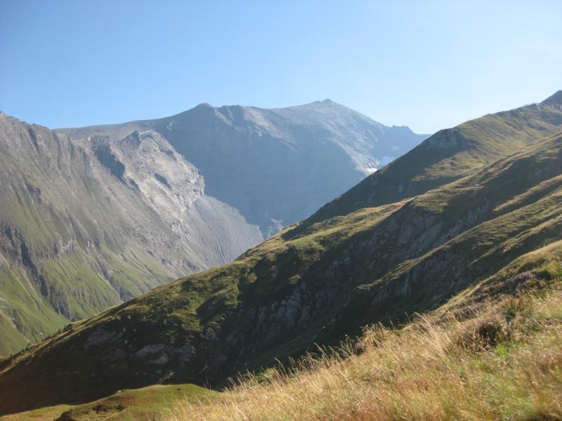 Der Blick geht zum hohen Tenn und Weg am nächsten Morgen in Richtung Kaprun.