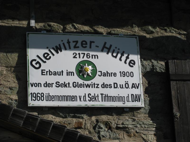 Die Gleiwitzer Hütte liegt in 2176 Meter Höhe oberhalb von Fusch.