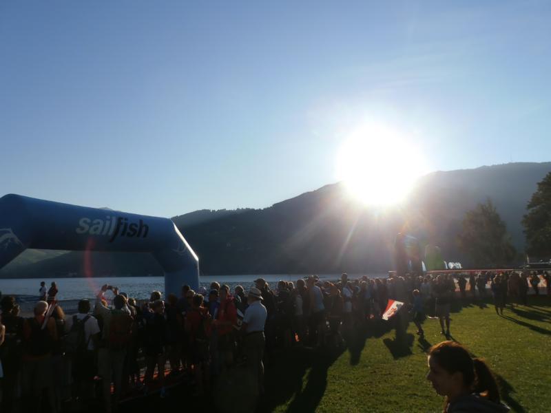 Morgens um 5:30 geht die Sonne über dem Zeller See auf.