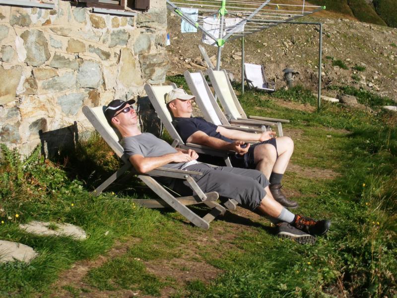 Chillen auf dem Liegestuhl unter der Abendsonne ist angesagt.