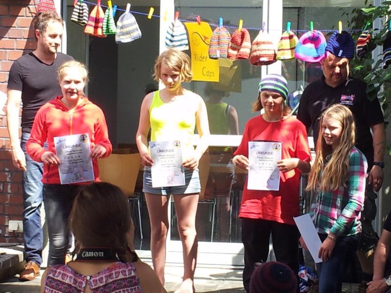 Nele (3. v.l.) bei der Siegerehrung der Mädchen U14.