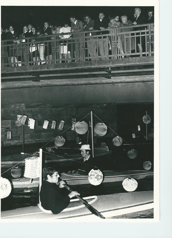 60 Jahre KCWD - Am Neupförtner Wall fanden die ersten Lampionfahrten noch im Faltboot statt.