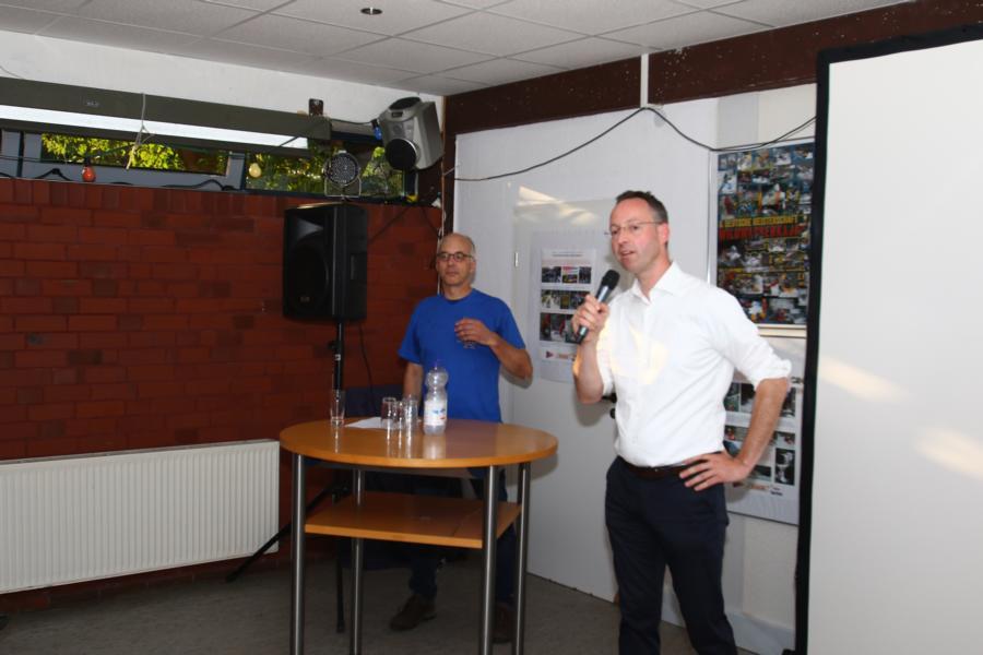 Dann ergreift Bürgermeister Mettenborg das Wort.