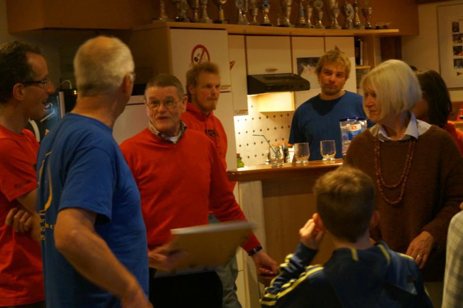 Gustl und Dieter Leickel werden nachträglich noch dafür geehrt, dass sie seit mehr 50 Jahren im Kanu-Club aktiv sind.